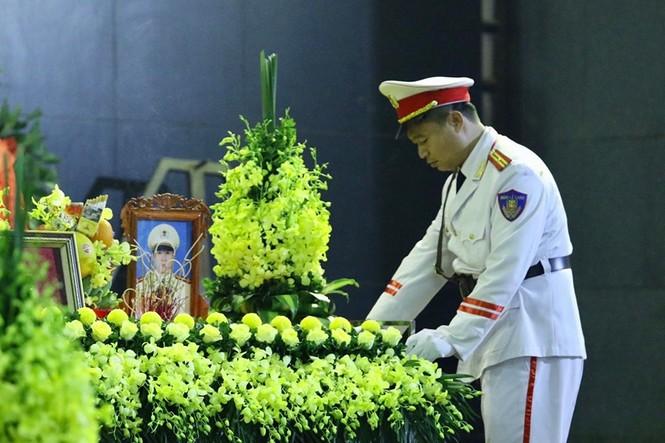 Xúc động tang lễ 3 liệt sĩ hy sinh ở Đồng Tâm - ảnh 3