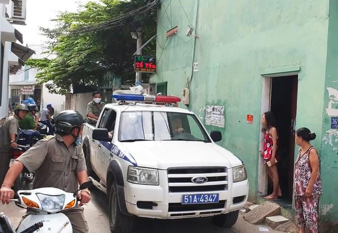 Vợ đốt phòng trọ sau cãi vã, chồng và con gái bị bỏng nặng - ảnh 1