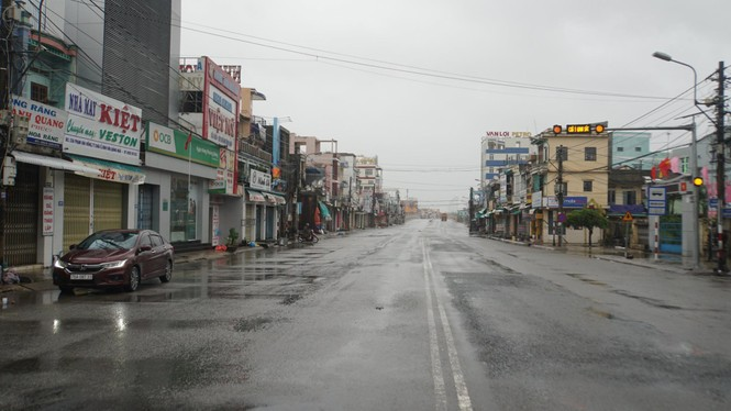 Bão số 9 đổ bộ Quảng Nam - Quảng Ngãi, giật cấp 13 - ảnh 21