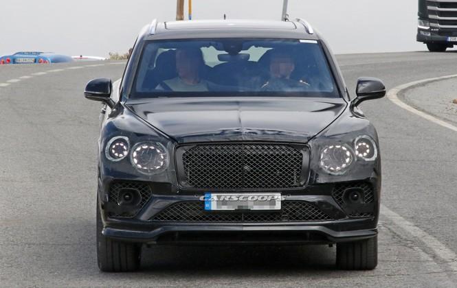 Bentley Bentayga mới lộ nhiều hình ảnh chạy thử - ảnh 1