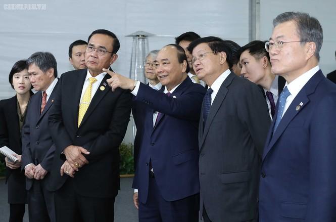 Thủ tướng Nguyễn Xuân Phúc dự lễ động thổ xây dựng thành phố thông minh Hàn Quốc - ảnh 1