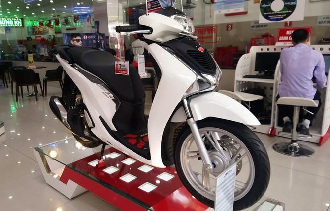 Honda Việt Nam nói gì về tình trạng loạn giá xe máy? - ảnh 1