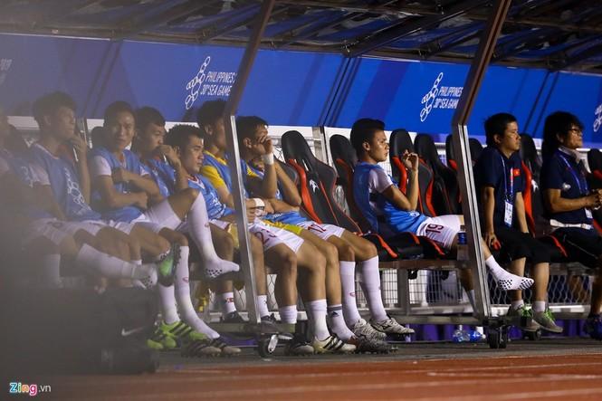 Quang Hải chưa kịp ra sân thì trọng tài thổi còi hết trận chung kết - ảnh 2