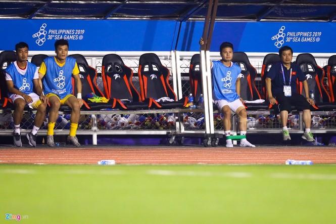 Quang Hải chưa kịp ra sân thì trọng tài thổi còi hết trận chung kết - ảnh 3
