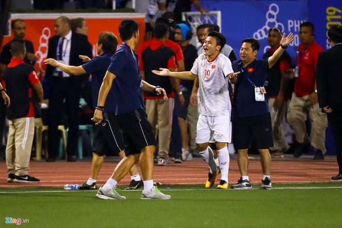 Quang Hải chưa kịp ra sân thì trọng tài thổi còi hết trận chung kết - ảnh 5