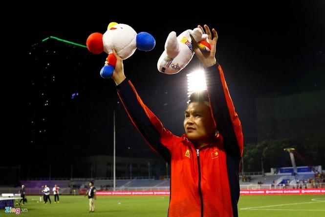 Quang Hải chưa kịp ra sân thì trọng tài thổi còi hết trận chung kết - ảnh 8