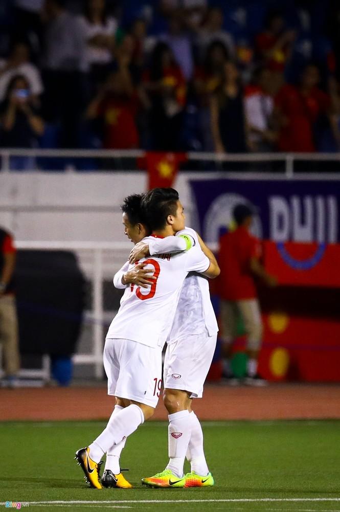 Quang Hải chưa kịp ra sân thì trọng tài thổi còi hết trận chung kết - ảnh 7