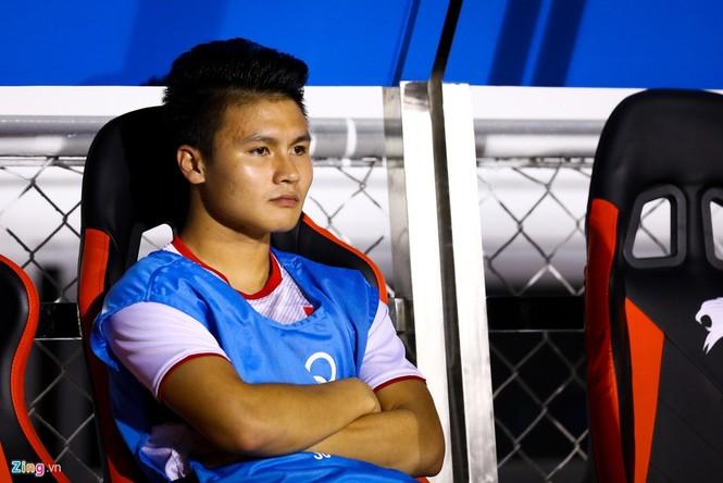Quang Hải chưa kịp ra sân thì trọng tài thổi còi hết trận chung kết - ảnh 1