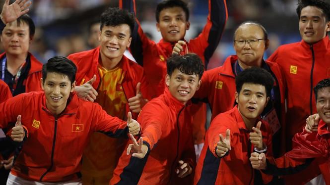 U22 Việt Nam vô địch SEA Games: Khi con sư tử cúi chào rừng già - ảnh 6