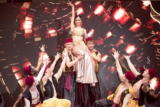 Á hậu Kiều Loan khoe eo thon, múa bụng đầy uyển chuyển tại Dubai - ảnh 6
