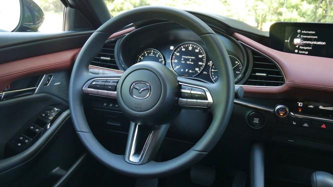 Mazda 3 thế hệ mới liên tiếp bị triệu hồi - ảnh 1