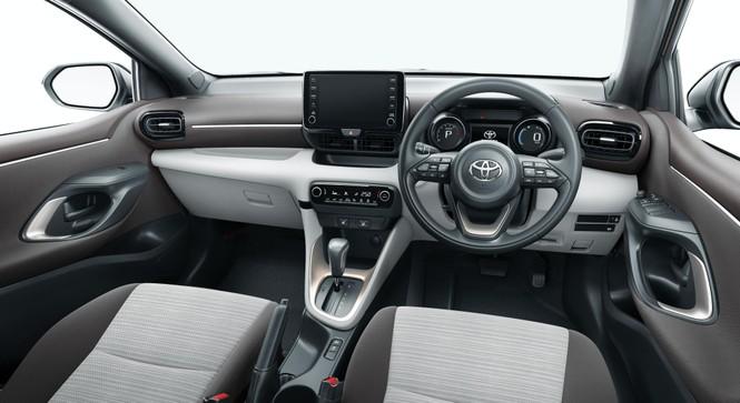 Toyota Yaris thế hệ mới giá 295 triệu đồng tại Nhật Bản - ảnh 2