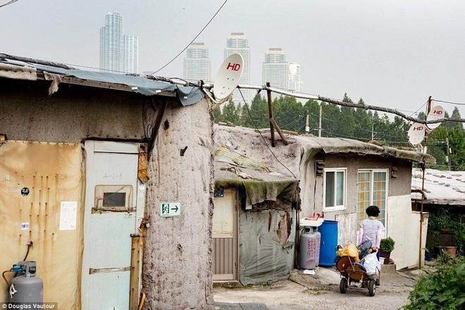 Khu ổ chuột quay 'Ký sinh trùng' từng khiến thế giới sốc về Hàn Quốc - ảnh 4