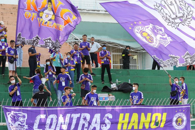Những cổ động viên siêu may mắn ở Siêu cúp Quốc gia-cúp THACO 2019 - ảnh 14
