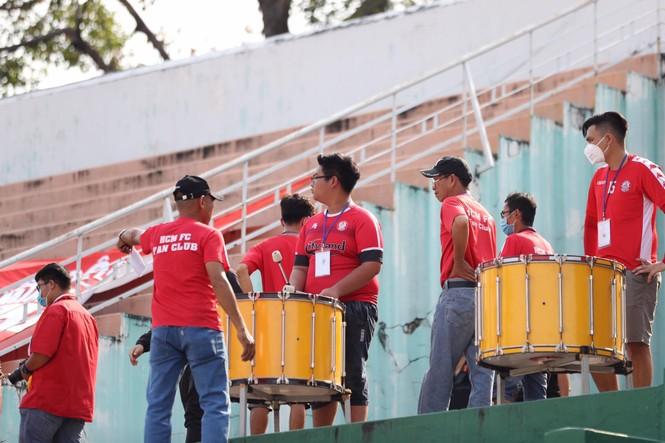 Những cổ động viên siêu may mắn ở Siêu cúp Quốc gia-cúp THACO 2019 - ảnh 13