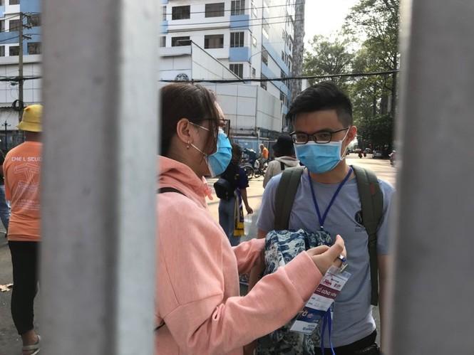 Những cổ động viên siêu may mắn ở Siêu cúp Quốc gia-cúp THACO 2019 - ảnh 8