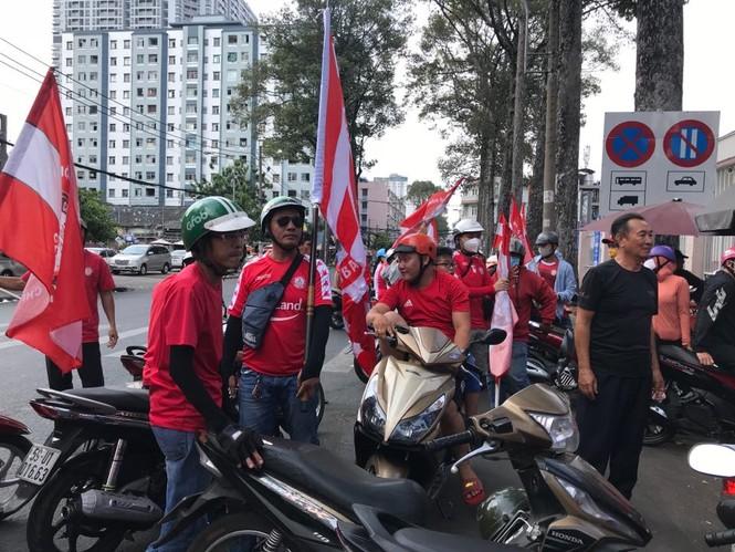 Những cổ động viên siêu may mắn ở Siêu cúp Quốc gia-cúp THACO 2019 - ảnh 2
