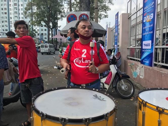 Những cổ động viên siêu may mắn ở Siêu cúp Quốc gia-cúp THACO 2019 - ảnh 4
