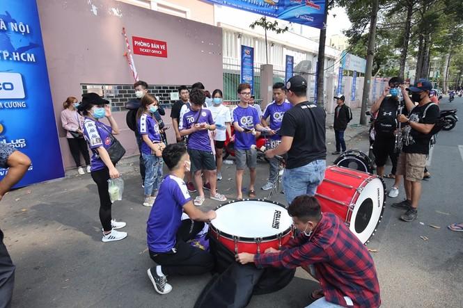 Những cổ động viên siêu may mắn ở Siêu cúp Quốc gia-cúp THACO 2019 - ảnh 7