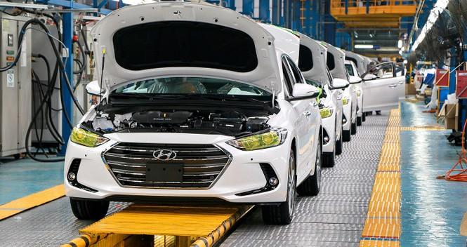 Dịch COVID-19 ảnh hưởng thế nào đến thị trường ôtô Việt Nam? - ảnh 1