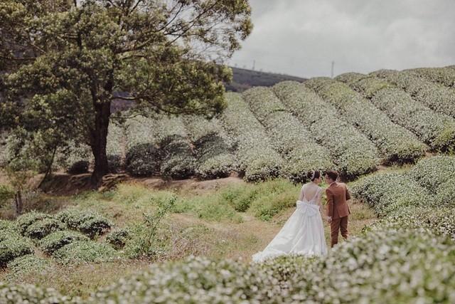 Nhiếp ảnh gia 'xấu trai' cưa đổ vợ đẹp với lời hứa tặng 10.000 ảnh để đời - ảnh 2