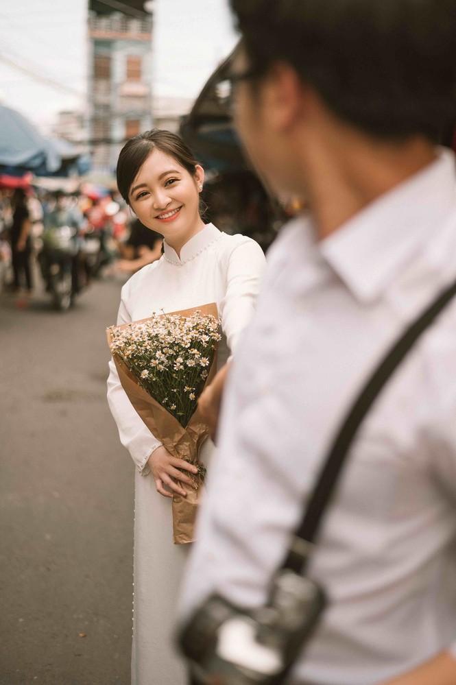 Đôi trẻ Mỹ Tho chụp ảnh cưới ở hàng hủ tiếu - ảnh 6