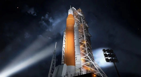 The 'monster' engine of NASA successfully launched: The world has the most powerful rocket on the planet - photo 2