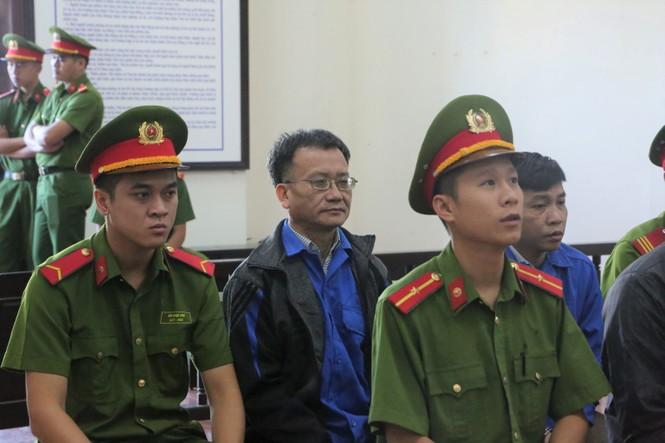 Vụ gian lận thi ở Hòa Bình: Cựu Trưởng phòng an ninh được giảm án - ảnh 1