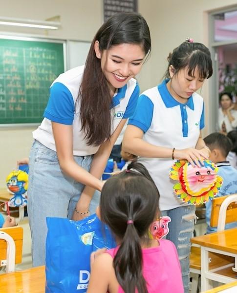 Á hậu Huỳnh Thị Thuỳ Dung: 'Mong sao thời khắc này kéo dài thêm nữa' - ảnh 3