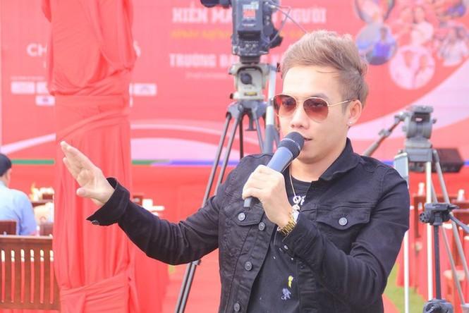Hàng loạt ca sĩ bức xúc vì địa ốc Alibaba cho làm khách mời... bất đắc dĩ  - ảnh 2