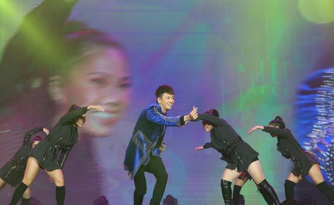 Sơn Tùng M- TP trình diễn cùng siêu sao quốc tế Taylor Swift - ảnh 8