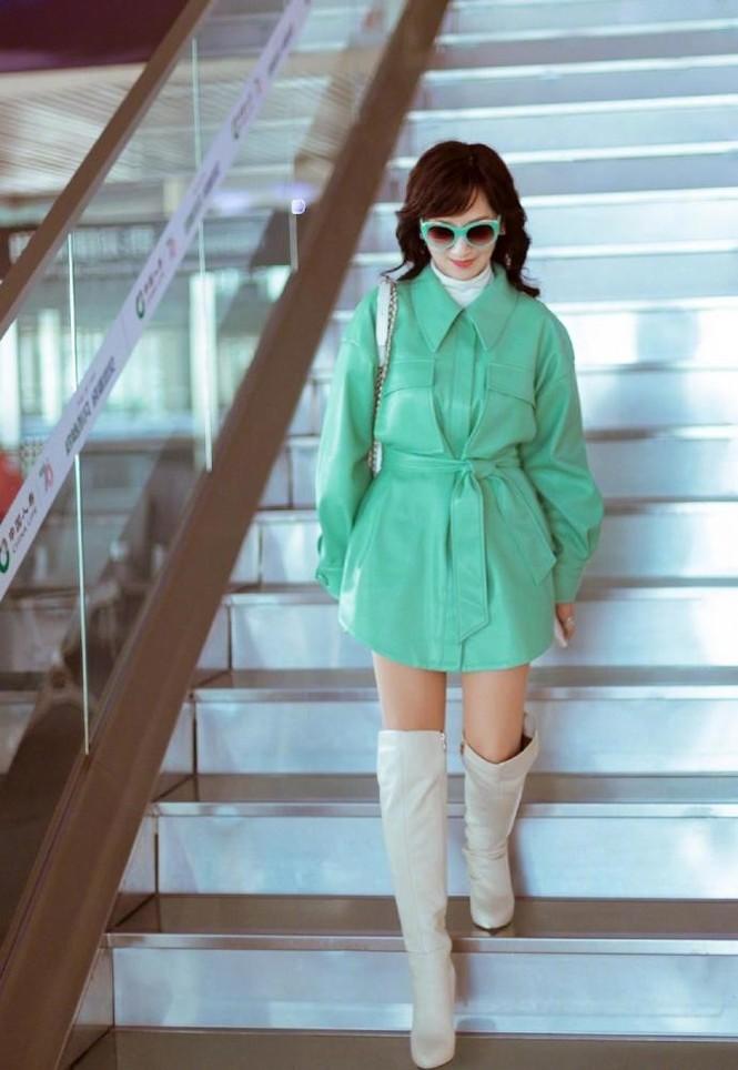 Triệu Nhã Chi gây choáng với thời trang như 9x, đẹp bất chấp 66 tuổi - ảnh 3