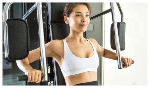 Top 8 mỹ nữ Hoa Ngữ sở hữu thân hình