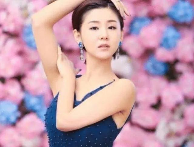 """Top 4 sao nữ """"sạch"""" nhất của làng giải trí Hoa ngữ, khiến mọi paparazzi phải bó tay - ảnh 3"""