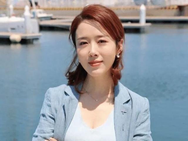 """Top 4 sao nữ """"sạch"""" nhất của làng giải trí Hoa ngữ, khiến mọi paparazzi phải bó tay - ảnh 4"""