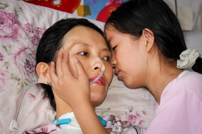 Cảm động bé gái 11 tuổi nhặt phế liệu gom tiền giành tặng bố mẹ lễ thất tịch đáng nhớ - ảnh 6