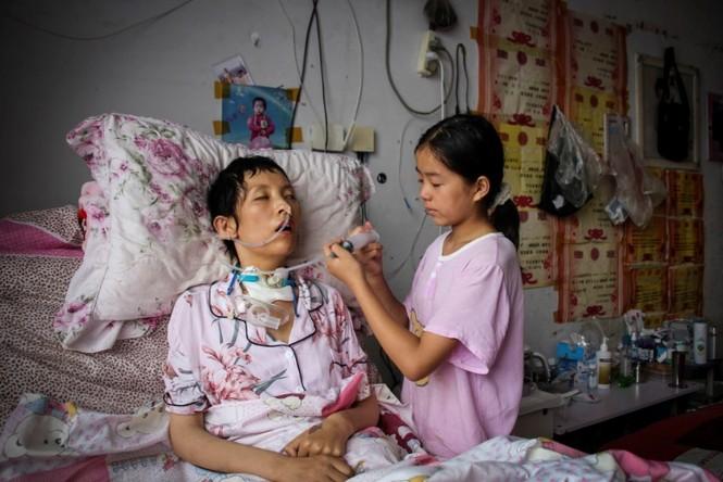 Cảm động bé gái 11 tuổi nhặt phế liệu gom tiền giành tặng bố mẹ lễ thất tịch đáng nhớ - ảnh 7
