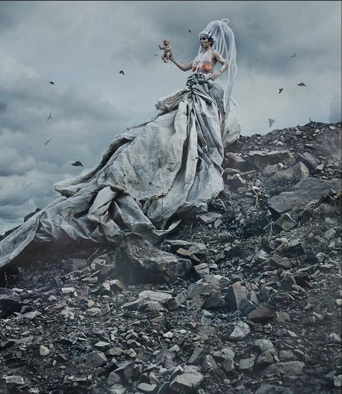 Biến rác thải thành thời trang, tái hiện nỗi đau trước khi chết của sinh vật biển - ảnh 3