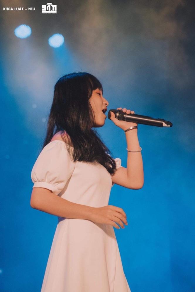 Nữ sinh ngành Luật đam mê ca hát, quyết tâm giảm 10kg để không bị body shaming - ảnh 4