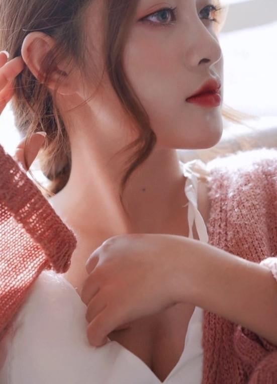 """Vẻ đẹp lạnh lùng đầy cuốn hút của nữ sinh được mệnh danh """"phù thủy make-up"""" - ảnh 4"""