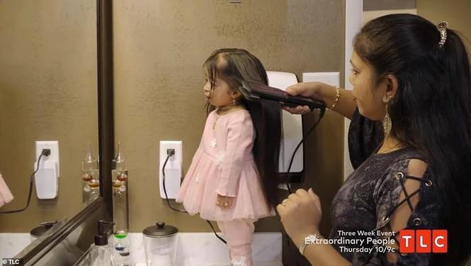 Nữ diễn viên nhỏ nhất thế giới với chiều cao 62,8 cm và nặng 5 kg - ảnh 5