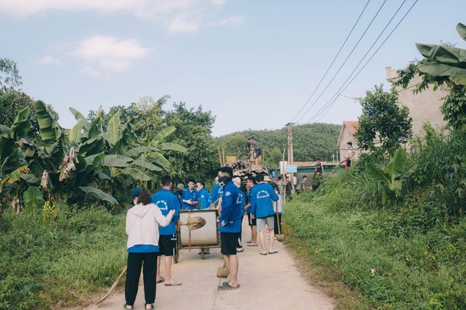 Mùa hè xanh tình nguyện của tuổi trẻ trường Đại học Thương Mại - ảnh 9