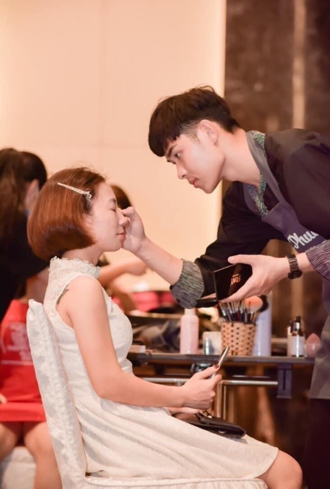 Học đại học Văn hoá lại bén duyên với nghề make up và mẫu ảnh - ảnh 4