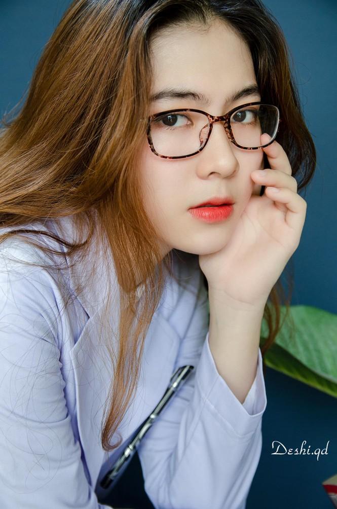 """9X xinh đẹp Ngọc Anh: """"Sinh viên Y Dược cực năng động, không hề khô khan"""" - ảnh 1"""