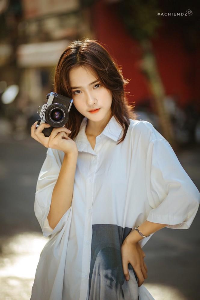 Xao xuyến với nét đẹp dung dị của nữ sinh trường Dệt may - ảnh 3