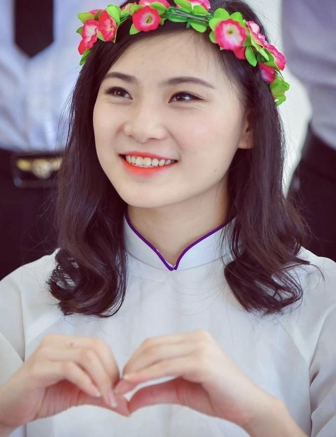 Tâm sự của nữ sinh dân tộc Thái được kết nạp Đảng từ lớp 12 - ảnh 1