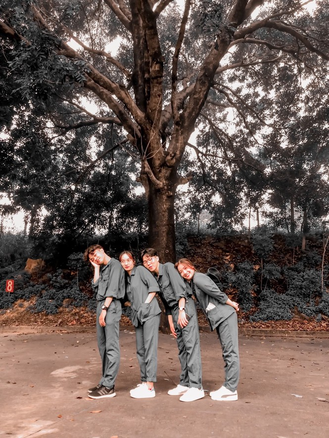 Cô nữ sinh trường ĐH Kinh tế TP Hồ Chí Minh khỏe khoắn, năng động trong bộ đồ quân sự  - ảnh 5