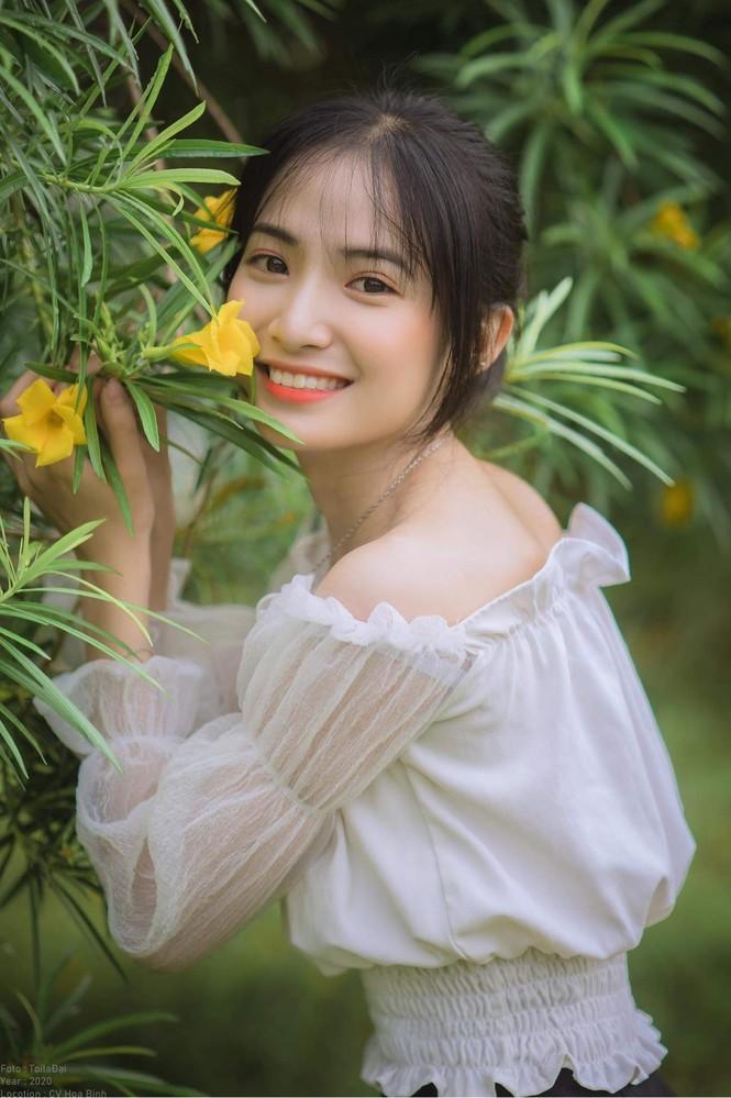 Vẻ đẹp trong veo tựa 'nàng thơ' của nữ sinh trường Cao đẳng Sư phạm Trung ương - ảnh 13