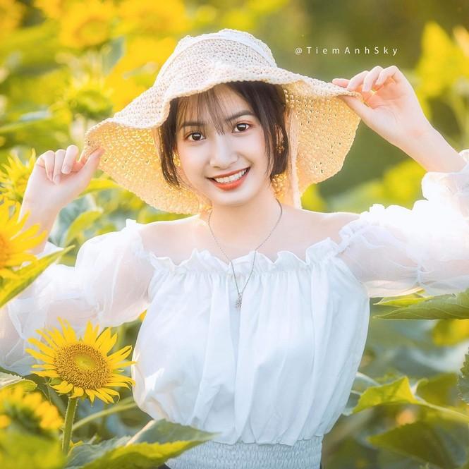 Vẻ đẹp trong veo tựa 'nàng thơ' của nữ sinh trường Cao đẳng Sư phạm Trung ương - ảnh 3