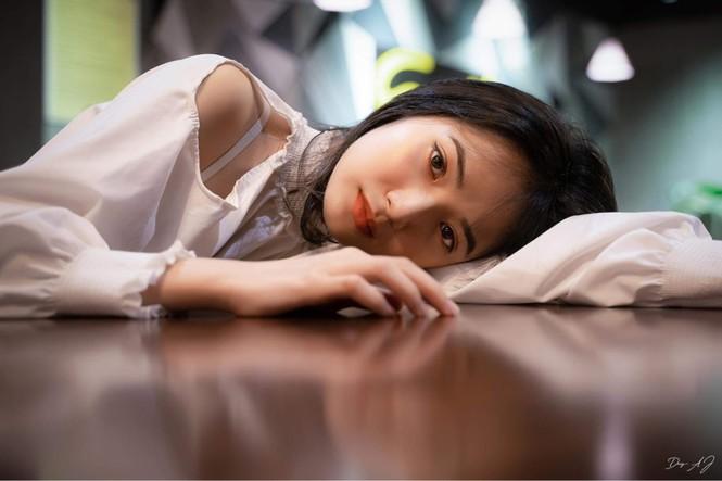 Vẻ đẹp trong veo tựa 'nàng thơ' của nữ sinh trường Cao đẳng Sư phạm Trung ương - ảnh 7